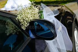 hochzeitsdekoration auto hochzeitsdekoration auf auto lizenzfreie stockfotos bild 32312018