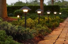 Led Low Voltage Landscape Lighting Kit How To Do Landscape Lighting Right Tips Ideas Products