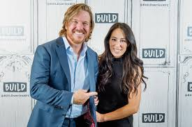fixer upper u0027s chip gaines shaves his head goes bald photo