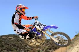 electric ktm motocross bike dirt bike magazine friday wrap up riding yamaha u0027s new 450 and