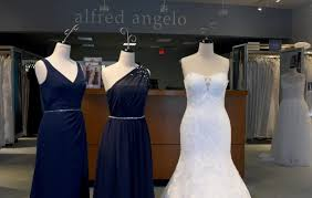 bridal stores abandoned gowns for sale for 60 to 75 percent at alfred angelo