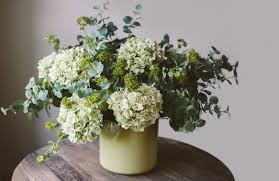 15 easy diy flower arrangements for home in spring time