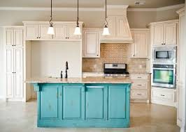 White Kitchen Cabinets With Glaze by Best 25 Turquoise Cabinets Ideas On Pinterest Teal Kitchen