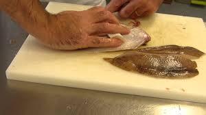 cours de cuisine lever des filets de limande en direct