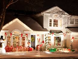 Pictures Of Outside House Christmas Decorations