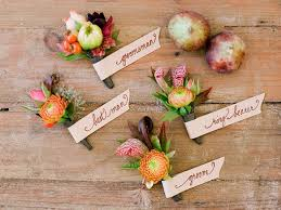 wedding corsages who gets wedding corsages and wedding boutonnieres