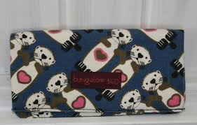 wallet sea otter bungalow360