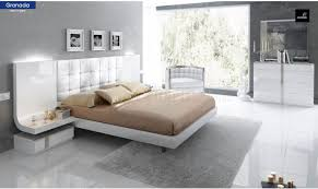 Contemporary White Lacquer Bedroom Furniture Granada Bedroom In White By Esf W Optional Case Goods