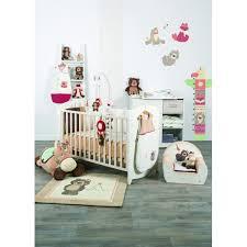 autour de bebe chambre tapis de chambre candide plume totem drive autour de bébé