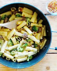 rigatoni with broccoli and sausage kinda sorta simple