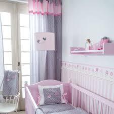 kinderzimmer in grau babyzimmer graustreifen awesome auf interieur dekor auch gardinen