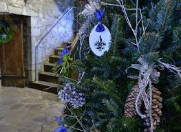 woodland motif used in old fort niagara holiday decorations