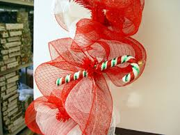 How To Decorate Garland With Ribbon How To Make A Mesh Netting Garland Trendy Tree Blog Holiday