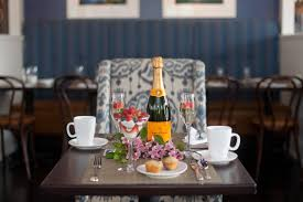 nantucket hotel resort launches brunch series with veuve clicquot