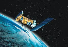how fast does the space station travel images How many man made satellites are currently orbiting earth jpg