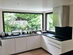 fenetre de cuisine fenetre coulissante cuisine standard idée de travaux et devis maison