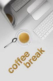 image pause café bureau pause café bureau de vue supérieure avec l ordinateur et tasse de