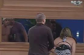 """BBB - Brothers encontram """" assombração"""" em espelho - R7"""