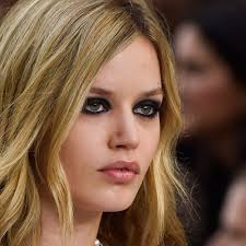 kohl lined eyes french skohleye makeup