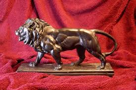 barye lion sculpture lion qui marche lion walking sculpture by antoine louis barye