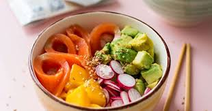 cuisine truite poke bowl à la truite mangue et avocat recette par stella cuisine