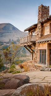 Beautiful Mountain Houses by Best 20 Mountain Home Exterior Ideas On Pinterest Mountain