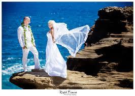 hawaii wedding photography wedding photographers in waikiki hawaii jagoda by right frame