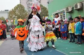 Halloween Costumes Kids Kids Greet Halloween Costumes Recycled Materials