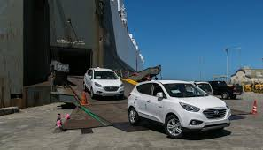 hyundai tucson 2014 blue how does the hydrogen hyundai tucson fuel cell stack up against a