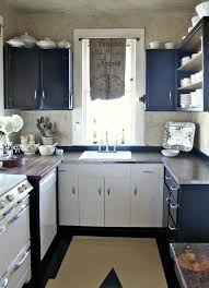 small kitchen makeover ideas best 25 small kitchen makeovers ideas on small