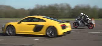 nissan gtr vs audi r8 audi r8 drag race is it the fastest audi on sale carwow