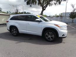 certified toyota highlander certified pre owned 2016 toyota highlander l sport utility in