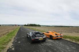 koenigsegg mumbai christian von koenigsegg races in a bugatti veyron against a ccxr