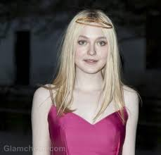Dakota Vanity Fanning Ravishing In Fuschia At Vanity Fair Party