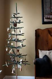 how to personalize your christmas tree and make it shine