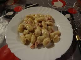 cuisiner des gnocchis gnocchi lardons boursin poivre au cookéo le de