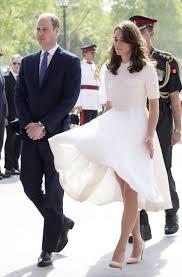 kate middleton dresses how to avoid a wardrobe malfunction according to kate middleton