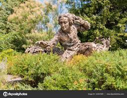 Botanical Gardens In Illinois Bronze Sculpture Of Carolus Linnaeus In The Chicago Botanic Garden