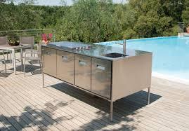 meuble cuisine exterieure amenager une cuisine exterieure la cuisine du0027t couverte avec