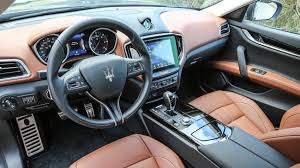 ghibli maserati 2016 maserati ghibli diesel 2016 review by car magazine