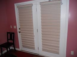 fix my blinds pulling of the string on either side enables the