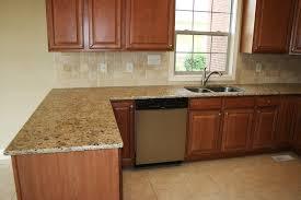 conforama plan de travail pour cuisine cuisine conforama cuisine plan de travail avec jaune couleur