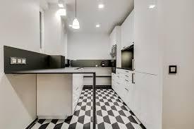 cuisine en longueur cuisine en longueur en noir et blanc atelier fb