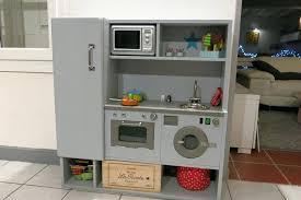 fabriquer une cuisine en bois cuisine bois enfant occasion sticker limmaland cuisine
