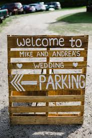 Country Wedding Decoration Ideas Pinterest Best 25 Wedding Pallet Signs Ideas On Pinterest Pallet Wedding