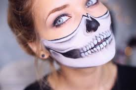 half face halloween makeup ideas your personal selfie calendar 2017 theselfiepost