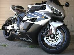 latest honda cbr bikes the legacy of the fireblade honda cbr 1000rr bikesmedia in