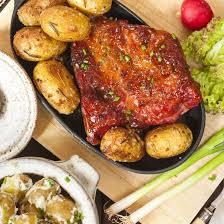 porc cuisine recette carré de porc aux pommes de terre en robe