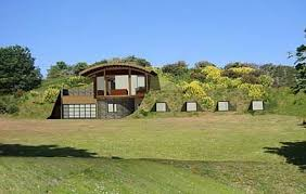 homes built into hillside earth homes pictures this can be accomplished by