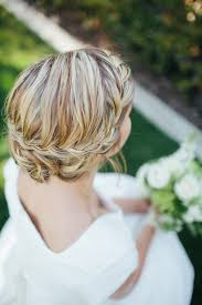how to do the country chic hairstyle from covet fashion ehow a vintage beach wedding with a hint of shabby chic the wedding